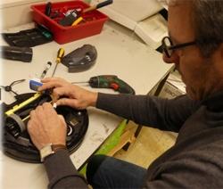 Reinigung der inneren Komponenten für alle Saugroboter mit Verschleißteile Prüfung